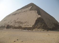 Egypt-LeCaire-mai08 155CD Dahchour rhomboïdale