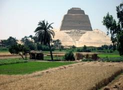 Egypt-LeCaire-mai08 287CD Meïdoum